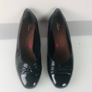 """Ros Hommerson """"Tawnie"""" Black Leather Pumps"""